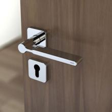 Minden beltéri ajtón ugyanott van a kilincs?