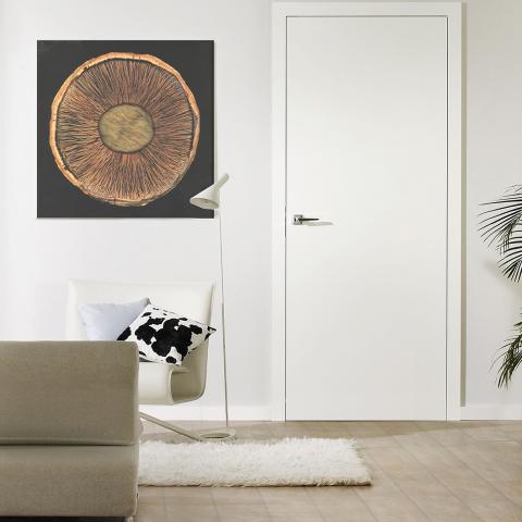 Festett fehér ajtó síkban záródó kivitel