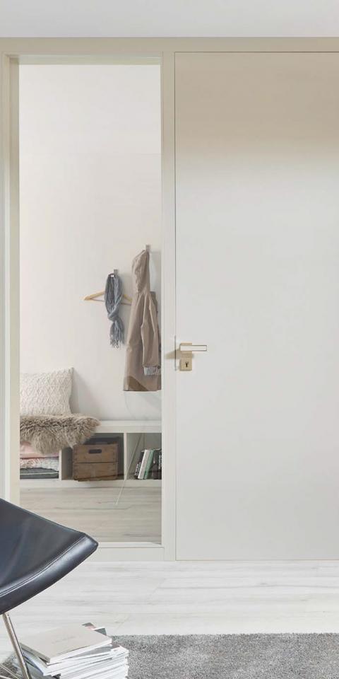 Festett ajtó, Salt felület, síkban záródó oldalvilágítós kivitel
