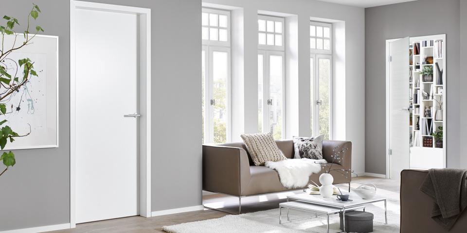 Alumin tok fehér lakkozott fehér ajtóval